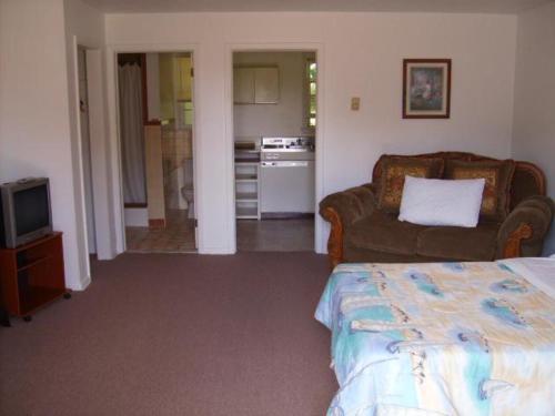 Hickory Run Motel - Lake Harmony, PA 18210