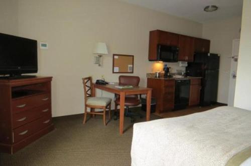 Candlewood Suites Reading - West Reading, PA 19611