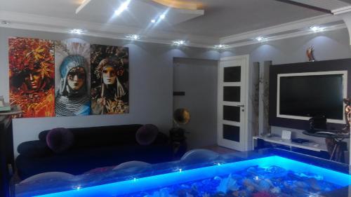 Izmir Gurbuz Apartment tek gece fiyat