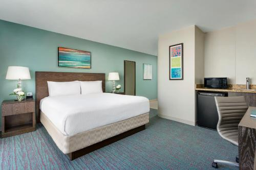 Courtyard By Marriott Waikiki Beach - Honolulu, HI 96815