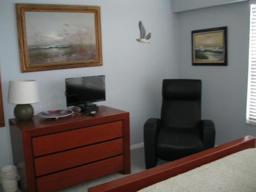 Apartment 216 Surfside Photo