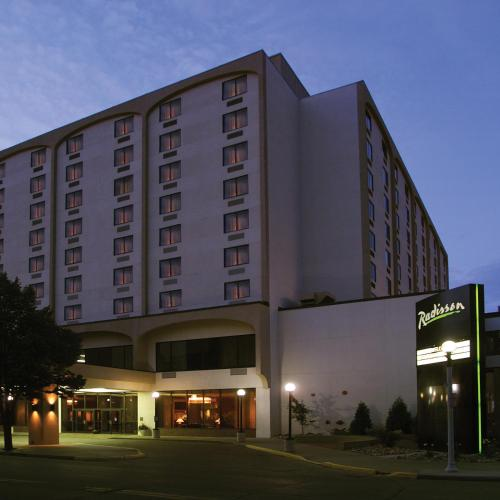 Radisson Hotel Bismarck Photo