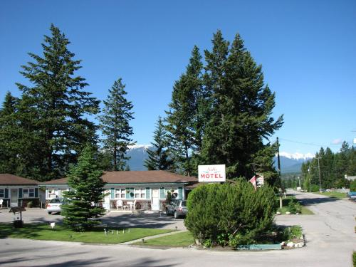 Lido Motel - Radium Hot Springs, BC V0A 1M0