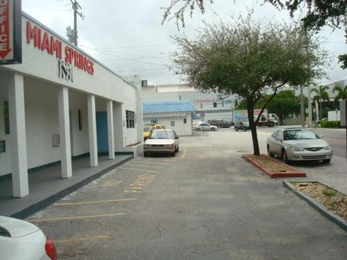 Miami Springs Inn - Miami, FL 33166