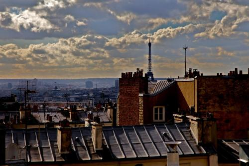 Plug inn Montmartre by Hiphophostels Photo