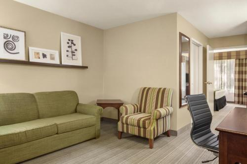 Country Inn & Suites by Radisson, Lima, OH Photo