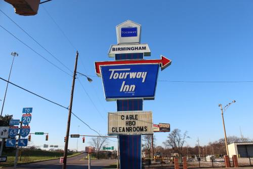 Tourway Inn - Birmingham, AL 35203