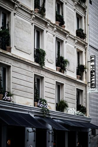Le Pigalle Hotel photo 8
