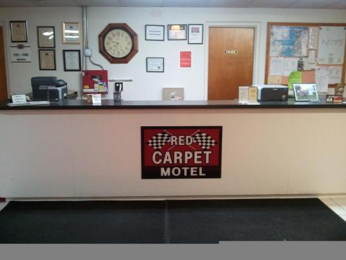 Red Carpet Motel - Knoxville - Knoxville, IA 50138