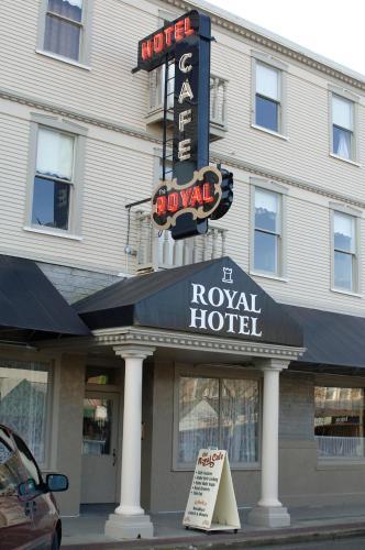Royal Hotel - Chilliwack, BC V2P 2C7