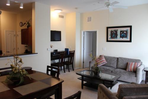 Cane Island Luxury Condo - Kissimmee, FL 34746