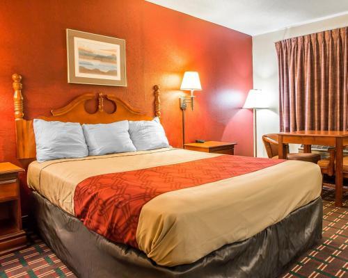 Econo Lodge Montpelier Photo