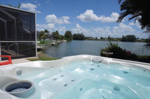 Lake View Villa Photo