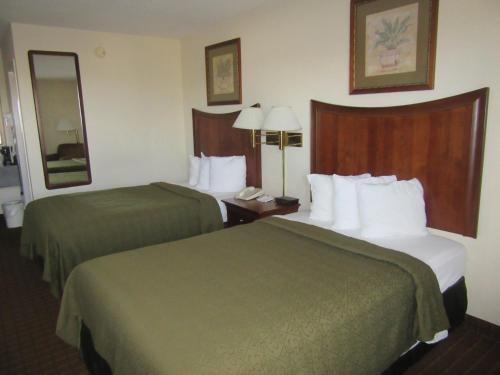 Quality Inn Fort Jackson Photo