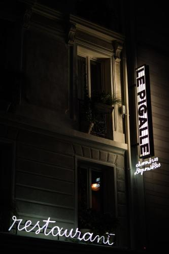 Le Pigalle Hotel photo 35
