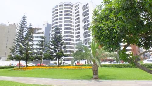 Lima Miraflores Jacuzzi Pool Pardo Photo