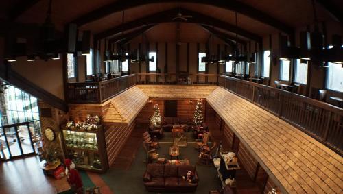 RiverBank Lodge Photo