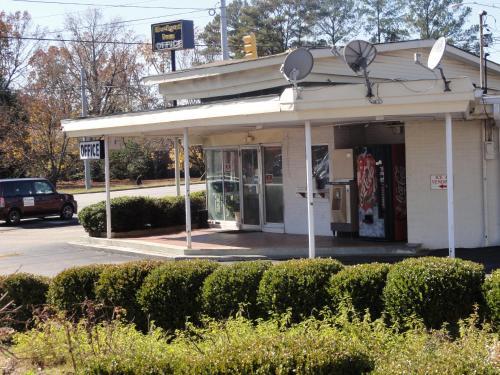 Budget Inn Selma - Selma, AL 36701