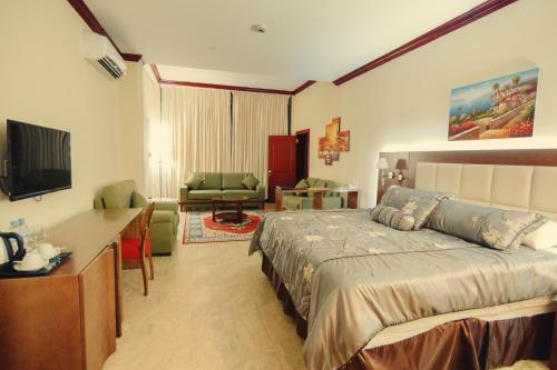 Ramada Georgetown Princess Hotel Photo
