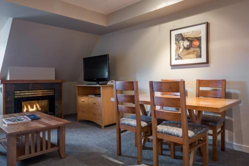 Whistler Peak Lodge - Whistler, BC V0N 1B4