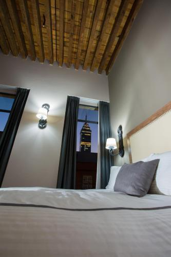 Hotel Histórico Central Photo