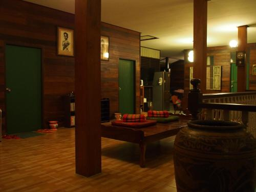 Chommuang Guest House photo 8