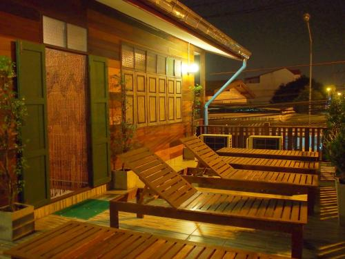 Chommuang Guest House photo 27