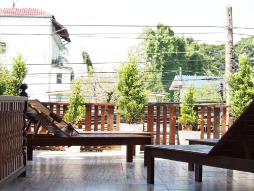 Chommuang Guest House photo 31