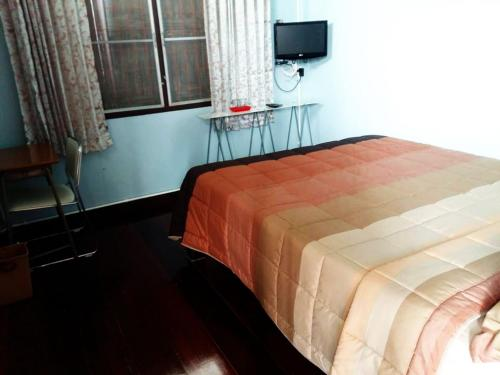 Chommuang Guest House photo 40