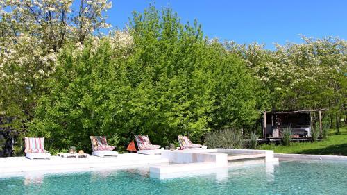 Mandarina Suites Photo