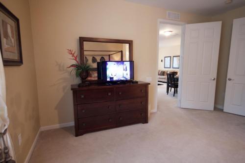 Vista Hideaway - Orlando, FL 32819