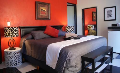 Ochenta Y Dos Bed & Breakfast Photo