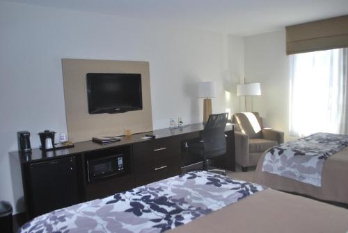 Sleep Inn & Suites Clintwood Photo