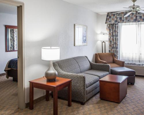 Comfort Inn & Suites Lees Summit -Kansas City Photo