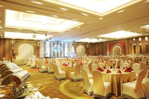 Al Meroz Hotel Bangkok - The Leading Halal Hotel photo 21