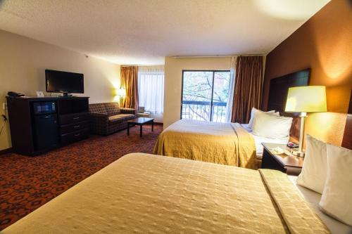 Quality Inn and Suites Oklahoma City Photo