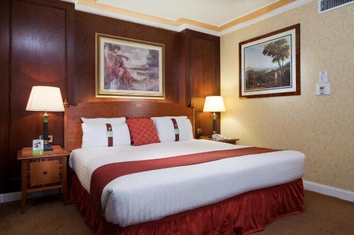 Holiday Inn London Mayfair photo 2
