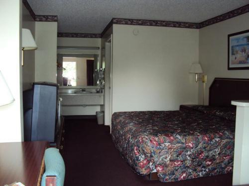 Western Motel - Folkston, GA 31537