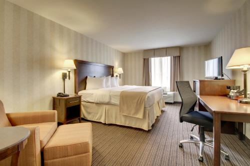 Quality Inn & Suites - Quincy Photo