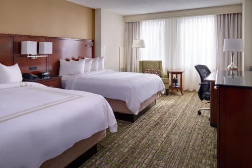 Cleveland Marriott Downtown at Key Center Photo