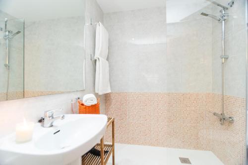 Apartment Bright Sagrada Familia photo 11
