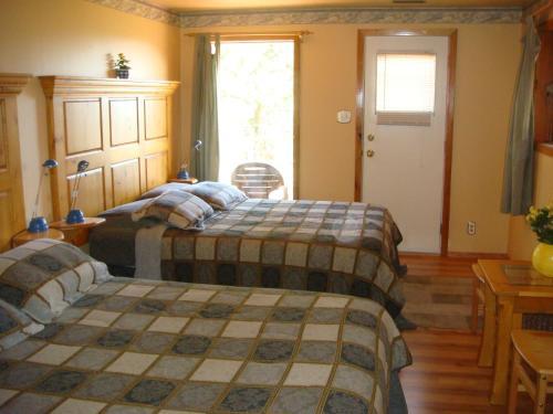 Wildhorse Mountain Guest Ranch Bed & Breakfast - Summerland, BC V0H 1Z3