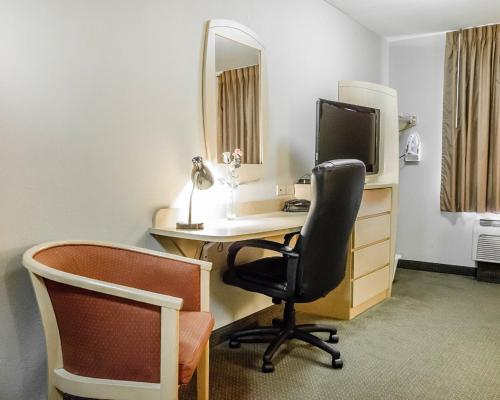 Suburban Extended Stay Hotel Clarksville - Clarksville, IN 47129