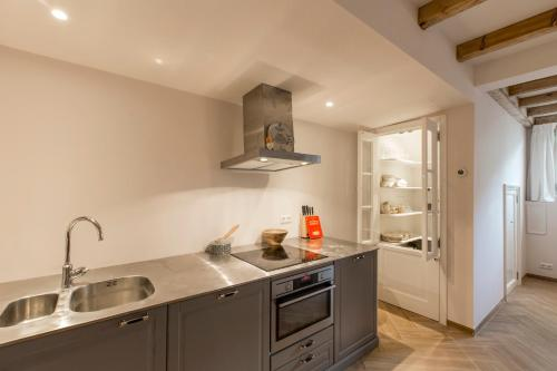 Canal Apartment Herengracht photo 16
