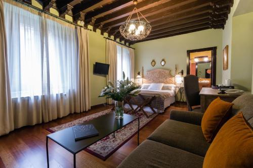 Deluxe Familienzimmer Palacio de Mariana Pineda 20
