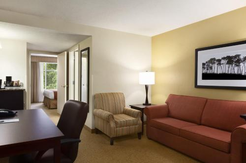 Country Inn & Suites By Radisson Lawrenceville Ga - Lawrenceville, GA 30043