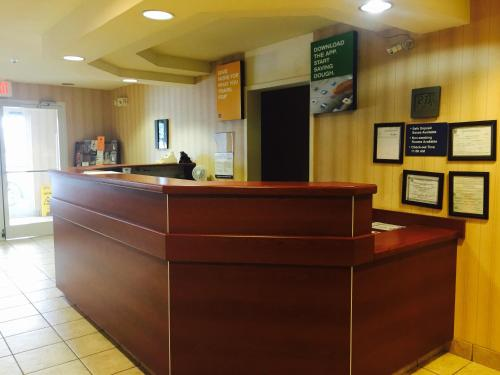 Motel 6 Brunswick - South - Brunswick, GA 31523