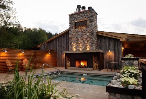 Rainbow Ranch Lodge Photo