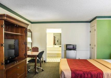 Rodeway Inn Denver photo 21