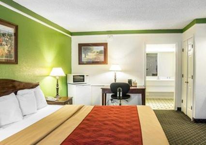 Rodeway Inn Denver photo 24